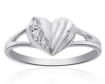 0.10 Carat Round Cut Diamond Heart Ring 14K White Gold