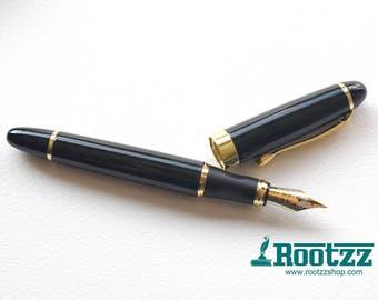 fountain pen dark green