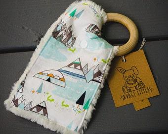 Removable Teether Crinkle Paper Toy, Crinkle Lovie, Baby Toy, Baby Gift, Wood Ring, Crinkle sound, Teether, chew, Fun, Lovie Blanket