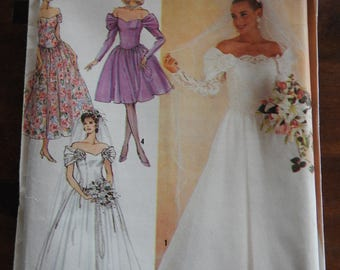 Simplicity 8413 Women's Vintage Brides And Bridesmaids Wedding Gowns Sewing Pattern