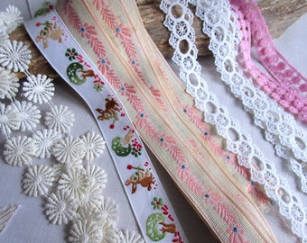 Vintage Lace , Lace Trim  , Embellishment ,  Sewing Lace  ,  Craft Supplies Lot.  .