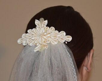 Bridal Veil with Satin Kanzashi Flower Comb/Single Tier Veil