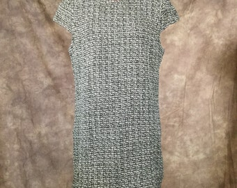 """Modern does 60s Black and White """"Wool"""" Shift Dress"""
