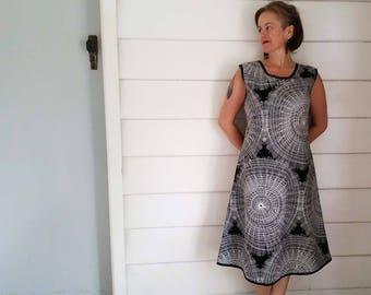 Women's Dress Tunic Dress Shift Black and White Spiral Dress Australian Made Printed Cotton Plus Size Dress Maxi Dress Pocket Long Dress