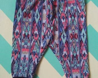 ON SALE****Adorable Aztec baby girl leggings 0-3 months (regularly 8.00), baby girl leggings, aztec leggings