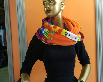 Infinity scarf. Orange scarf. The scarf as a gift. HELLO KITTY infinity Echarpe.foulard. Warm scarf. Hello kitty as a gift. Orange scarf