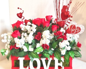 Valentine Day Decor, Valentine Centerpiece, Valentine Tabletop Decor, Valentine Floral Crate, Valentine Floral Basket