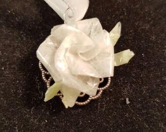 White Rose necklace, white necklace, Rose necklace, Rose White, white paper rose, paper jewelry, vintage style necklace, pendant necklace
