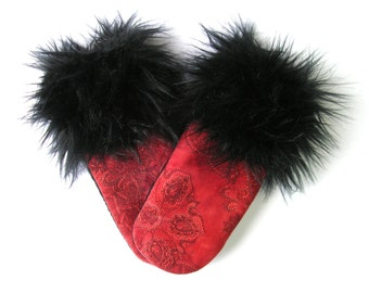 Red and black mitten, mittens for women, sweater mittens, repurposed wool, mitten with fur, black fur cuffs, recycled mittens, recycled wool