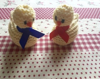 2 Easter chicks egg holders, Easter chicks, Yellow chick, Chocolate egg holder, Hand knitted chick, Easter Chick, Easter gift, Egg holder