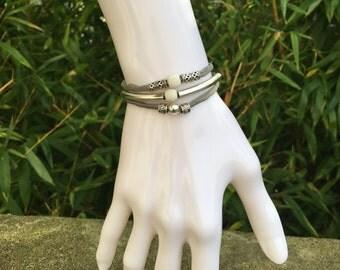 Chic silk bracelet