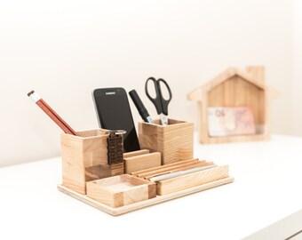 complete desk organizer yourself oak desk organizer wooden. Black Bedroom Furniture Sets. Home Design Ideas