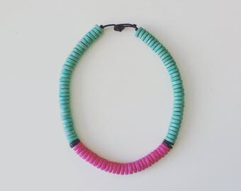 Thick beaded bib necklace