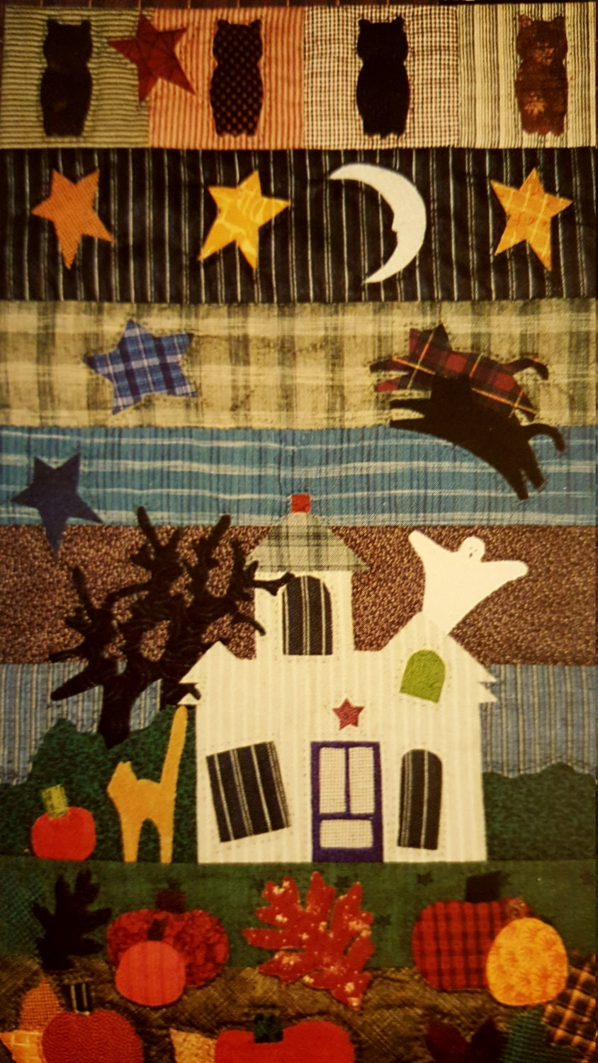 Vintage Craft Pattern Haunted House Halloween Wall Quilt