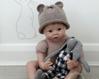 SALE! Cute Baby Bear hat. Knitted Bear hat. Newborn Bear hat. Photo prop. Baby Bear hat.