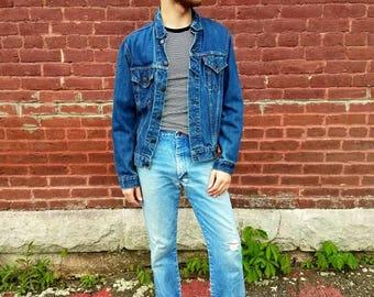 Vintage 1960s 60s Levis's Big E denim trucker jacket Men's small dark was blue jean USA