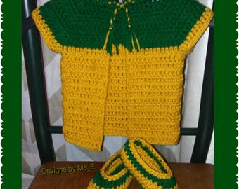Baby sweater with booties
