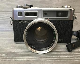 Yashica Electro 35 Camera