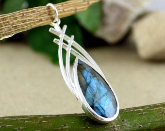 handmade pendant, pear shape pendant, labradorite pendant, 925 sterling silver pendant, womens pendant, designer pendant, pendant jewelry