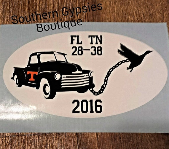 tn duck pulling a truck decal. Black Bedroom Furniture Sets. Home Design Ideas