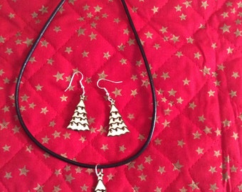 Christmas tree earrings and pendant set