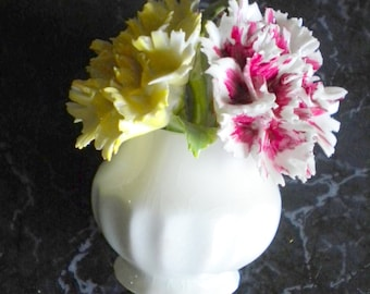 Figurine Porcelain-Flower bouquet-carnations in vase-colorful-queens made in England-ESTD 1875-Rosina China vintage