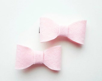 Light pink bow hair clips