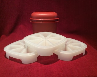 Tupperware Ice Cube Maker and Store circa 1970