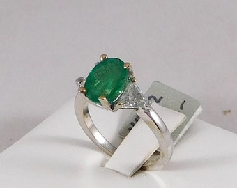 Emerald & Diamond Ring. All Natural. 1.85ct Emerald. 0.58ct of Diamond