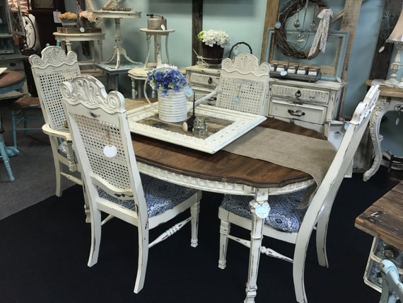Shabby Chic Breakfast Table: Vintage Shabby Chic Dining Table