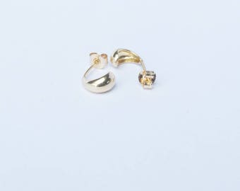 9ct gold stud earrings, gold stud earrings, tiny gold studs, tiny gold earring, gold studs, studs, yellow gold studs, I34844