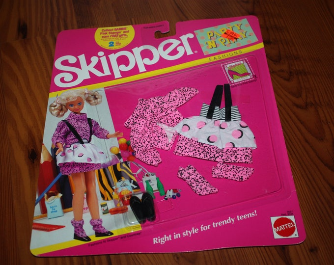 Barbie Skipper Party 'n Play Fashions No. 9027 MINT on Card 1990 Mattel