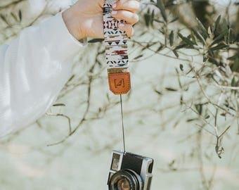 BLANCHE small camera strap.