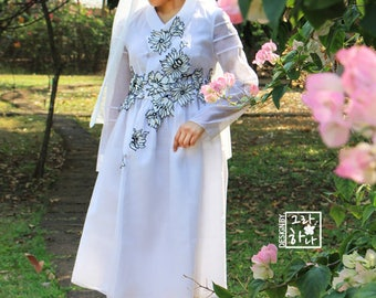 Lily Cheollik dress