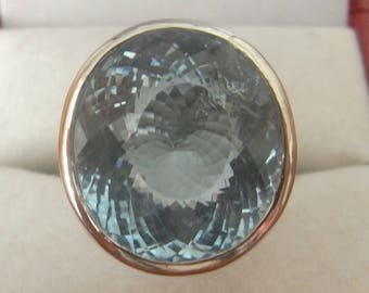 Large Blue Topaz Ring in 18ct White Gold