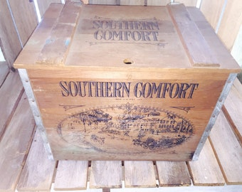 Vintage Southern Comfort Wooden Crate/Beer Crate/Liquor crate/Vintage Beer Crate/Vintage Wooden Shipping Crate/Old Wooden Box/Vintage Crates