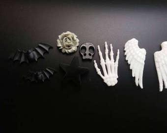 Lot 7 cabochon resin Creepy/Fantasy