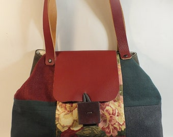 CARMELA: large purse fully lined in cotton fabric, 2 pockets, handles and leather handmade button closure