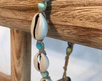 Vintage Sea Shell Bead Bracelet, Rope Strand, Beach, Ocean, Estate Jewelry