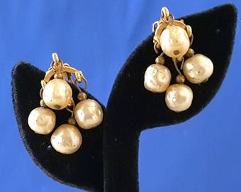 Champagne Baroque Pearl Earrings, Antique Pearl Earrings, Gold Tone Earrings, Dangle Earrings, Vintage Earrings, Pearl Earrings,
