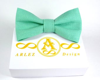 Light green bow tie, Mens Bow Tie, Husband Gift, bow tie for wedding, bow tie for groomsmen, boy's bow tie, toddler's, baby bow tie