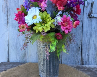 Summer Floral Arrangement, Spring Floral Arrangement, Wedding Centerpiece, Table Centerpiece, Farmhouse Floral, Galvanized Tin Floral