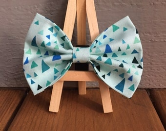 Blue with triangles, Dog bow tie