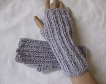 Arm warmers selfmade lilac crochet wrist warmers with wool length 21 cm