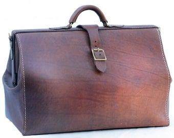 Traditional Gladstone Leather Handstitched Travel Bag - Personalized Gift for Him