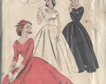 "1950s Vintage Sewing Pattern B36"" DRESS (R109) Butterick 7113"