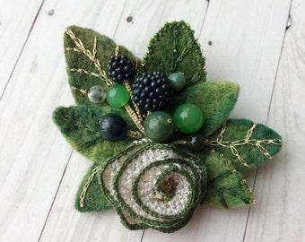 Felted brooch Summer - Handmade brooch - Needle felt pin- Felted brooch - Accessory - Gift for her - Green brooch - Pin Blackberry