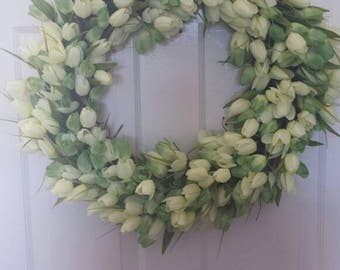 Tulip wreath / spring wreath / front door wreath / holiday wreath /  door wreath / summer wreath easter wreath