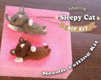 Sleepy Cat - Needle Felting Kit
