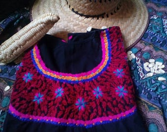 Embroidery mexican Blouse, black boho top, Folk aztec flowers, mexican embroidered, Mexican tunic traditional embroidery, floral embroidery